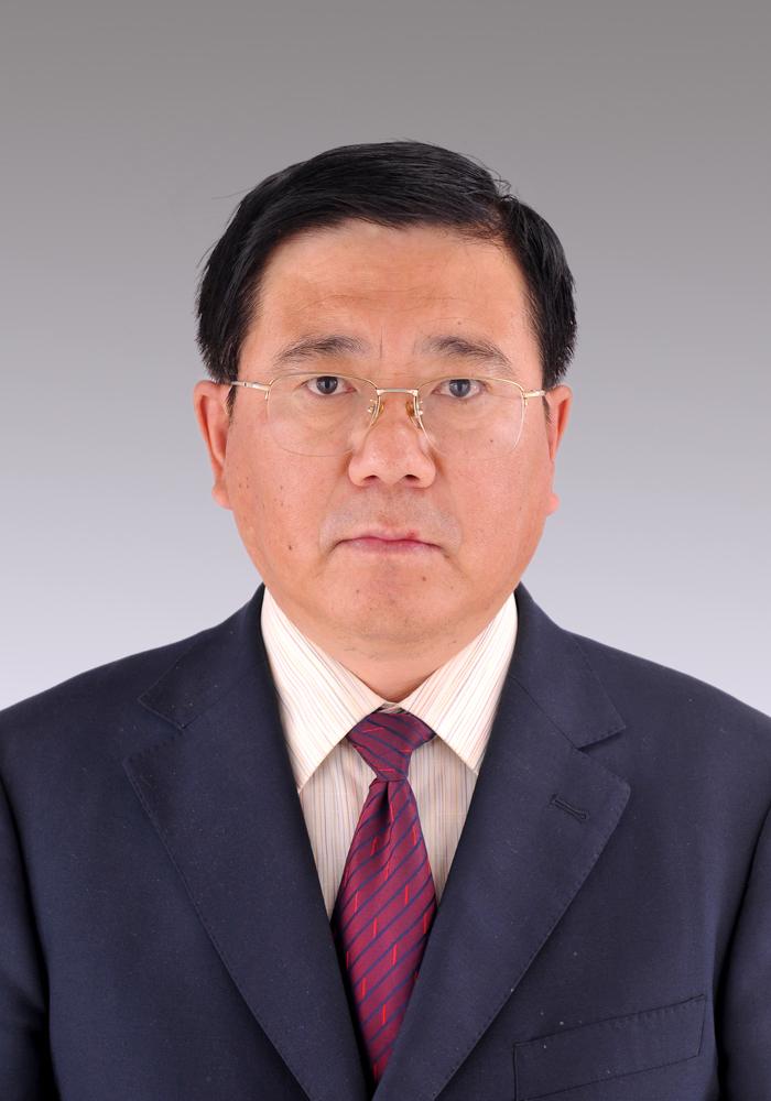 兴庄乡人民政府工作;1987年3月至1987年8月在原榆林