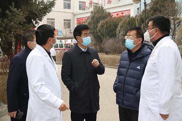 5、苗丰在星元医院督导疫情防控工作2.JPG